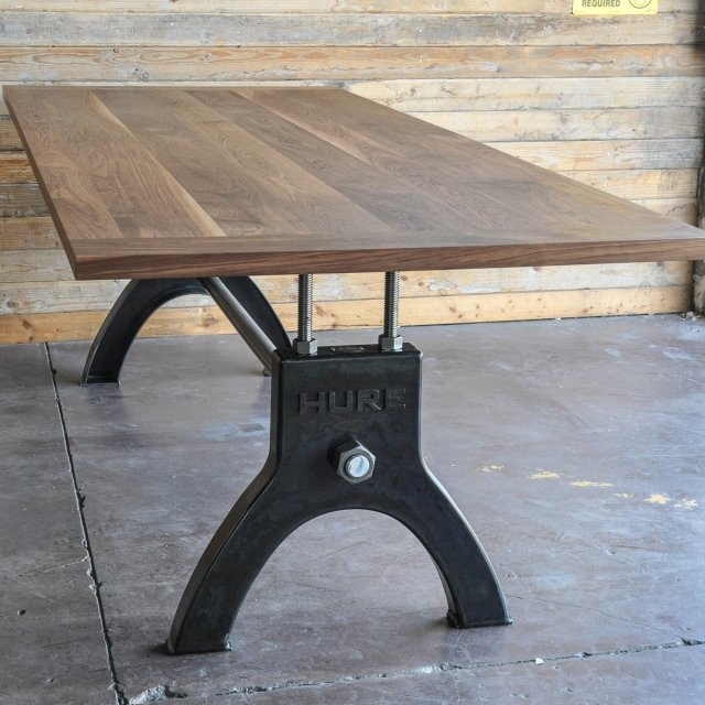 Hure Dining Table
