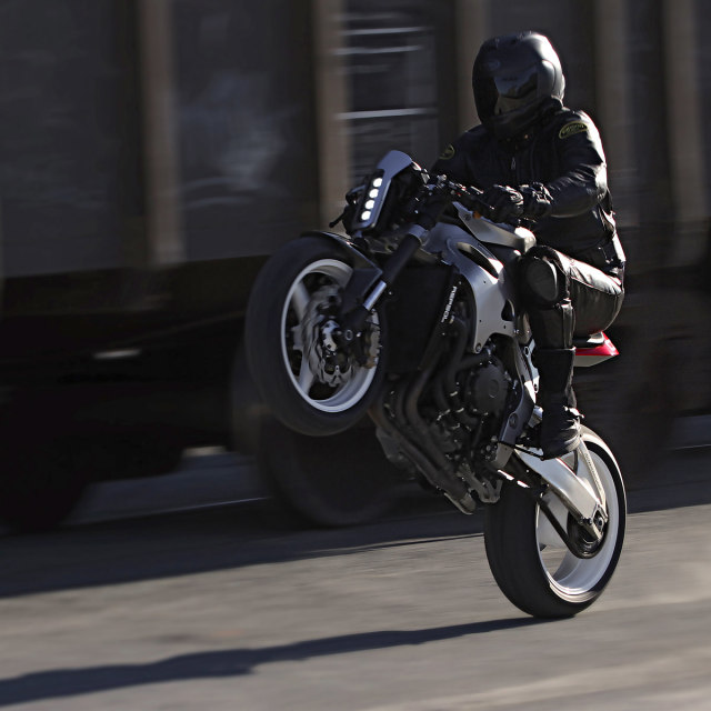 """Turn your CBR1000rr into a """"cafe fighter"""" 