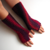 Red and burgundy fingerless gloves marsala colors