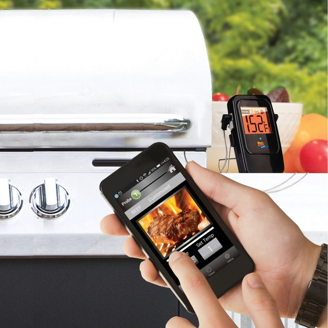 Maverick Wireless Cooking Thermometer Monitors 4 Probes Simultaneously